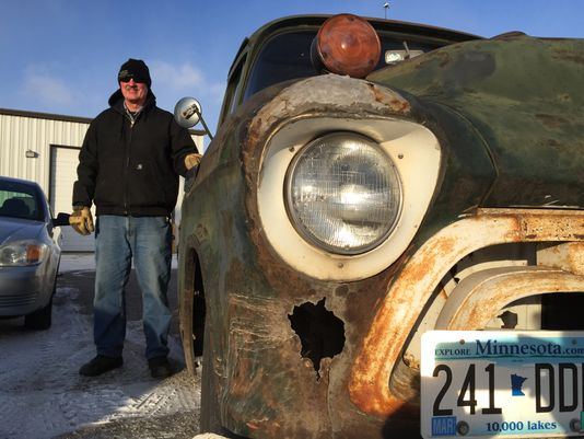 Minnesota-man-stuns-the-world-by-his-75-Chevy-truck-2