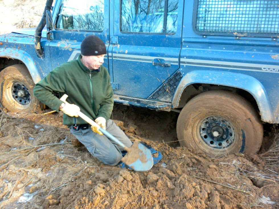 How-To-Get-Your-Car-Unstuck-From-Mud-Or-Sand